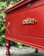 Load image into Gallery viewer, (SOLD) Gorgeous Antique Lane Chest Bed-End/Bench/Decorative Piece/Coffee Table/Storage with Beautiful Details!! 44W 23H 19D
