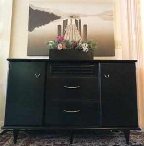 (SOLD) Gorgeous Versatile Mid-Century Modern Buffet/Dresser/Entryway/Media in Excellent Condition. Perfect MCM Beauty for your Nest!!