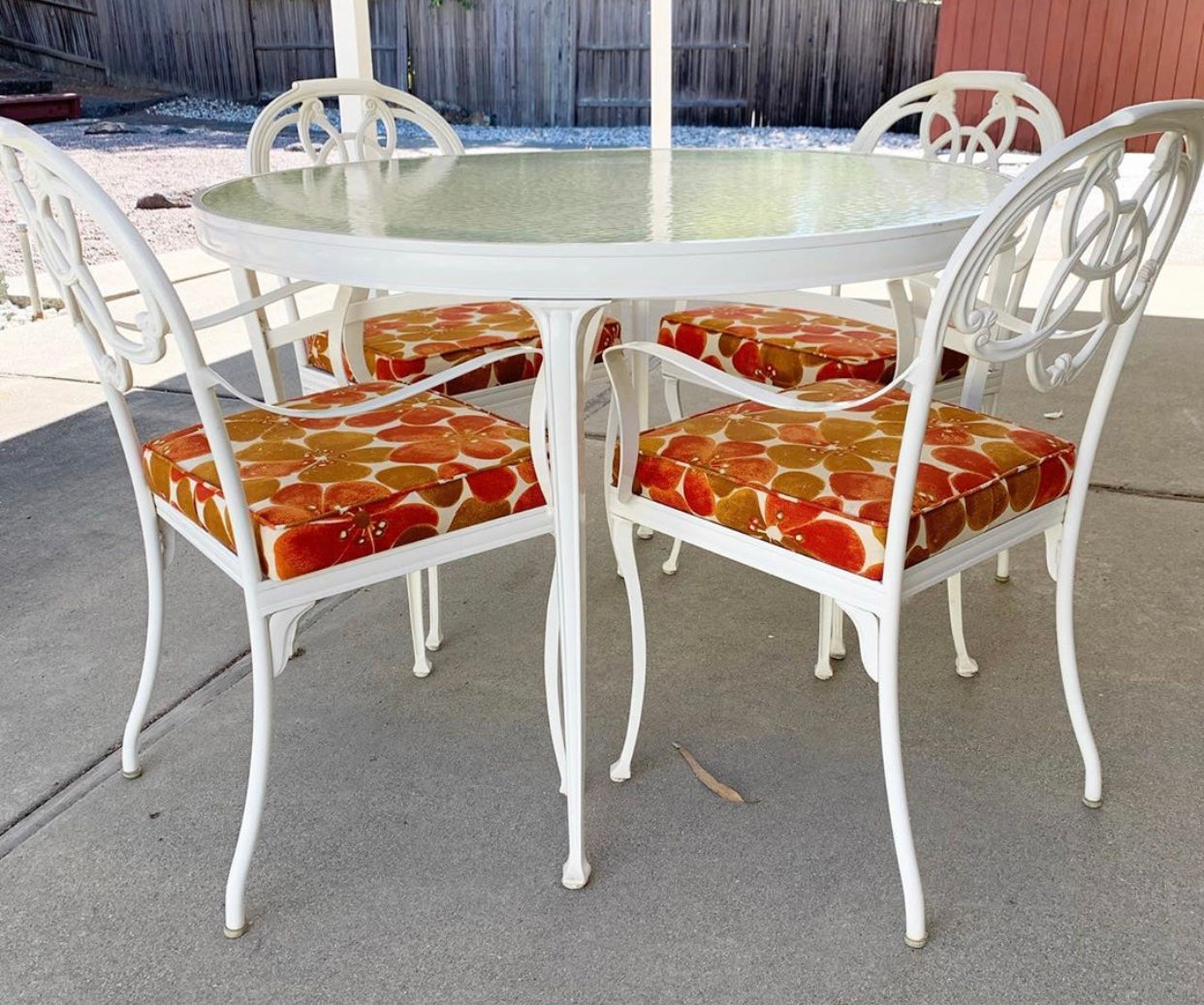 Gorgeous Vintage White Wrought Iron Patio Set with Glass Top. Perfect Outdoor Beauty!! Clean and Classy!!