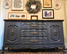 Load image into Gallery viewer, (SOLD) Gorgeous Vintage High-End Bernhardt French Country Buffet/Sideboard/Dresser/Media/Entryway with Beautiful Details and Hardware!!