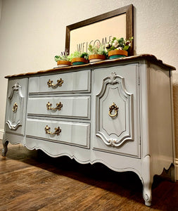 (SOLD) GORGEOUS French Country Modern inspired Buffet/Media/Entryway/Credenza/Sofa Table/Console in Superb Condition!!