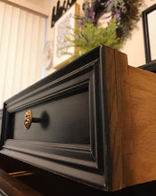 Load image into Gallery viewer, (SOLD) Stunning Vintage High-End Sherrill Furniture Co. Buffet/Dresser/Media/Entryway with Gorgeous Hardware and Excellent Condition. Perfect BEAUTY!!