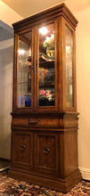 Load image into Gallery viewer, (SOLD) Beautiful High-End Bernhardt Display Cabinet Curio China Storage with Bevelled Glass in Superb Condition!!