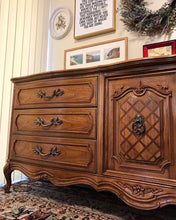 Load image into Gallery viewer, (SOLD) Gorgeous Vintage High-End Thomasville Large French Country Dresser/Media/Buffet/Entryway with Beautiful Details and Hardware!! 78X32X20
