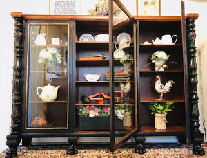 (SOLD) Gorgeous 1930s Robert Mitchell-Rammelsberg Modernized Clawfoot Victorian Display Cabinet/China/Curio/Bookshelf with Beautiful Details and Excellent Condition!!!