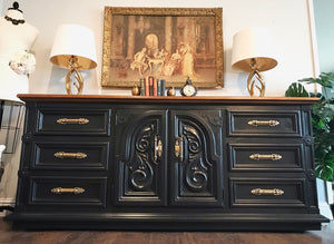 (SOLD) GORGEOUS Vintage High-End Thomasville Dresser/Buffet/Media/Entryway with Beautiful Details and Hardware!! 76X33X20