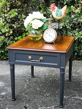 Load image into Gallery viewer, (SOLD) Gorgeous Vintage High-End Henredon Side/End Table in Excellent Condition!! 21W 22H 23D