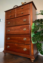 Load image into Gallery viewer, (SOLD) Simply BEAUTIFUL and HIGH-END Modern Broyhill Chest Of Drawers/Dresser in Superb Condition!! Perfect BARGAIN Beauty indeed!!