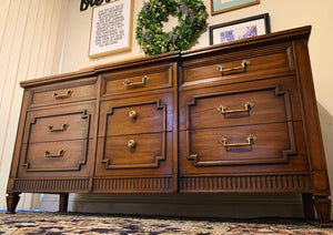 (SOLD) GORGEOUS High-End Drexel MODERN FRENCH REGENCY Dresser/Media/Entryway/Sofa Table/Console/Buffet with Beautiful Design and Hardware!!