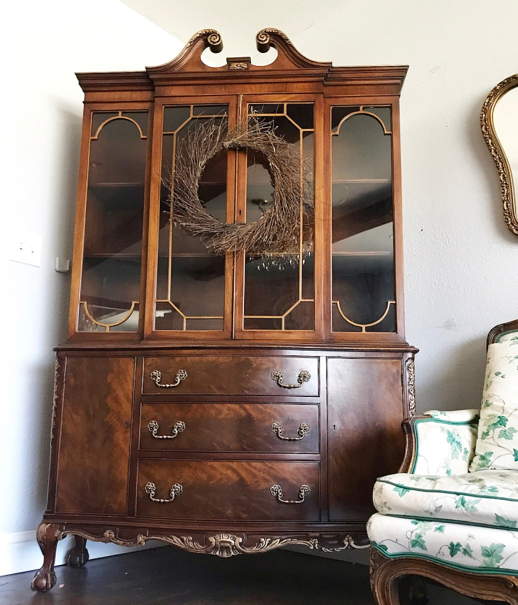 (SOLD) STUNNING Vintage 1950s Clawfoot French-Victorian One Piece China/Display Cabinet/Bookcase with Gorgeous Details!!