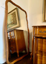 Load image into Gallery viewer, (SOLD) Simply Beautiful 5PC Vintage French Country Bedroom Set (Dresser, Mirror, 2 Nightstands and Chest of Drawers with Beautiful Scalloped Design and Hardware in Great Condition!!