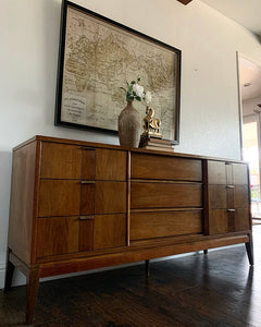 (SOLD) STUNNER High-End Stanley Danish MidCentury Modern Dresser/Entryway/Media/Credenza/Console/Sofa Table in Superb Condition. Perfect Danish BARGAIN MCM Piece for Minimalist and Wood Lover!!