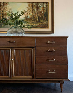 (SOLD) Gorgeous Mid Century Modern 10Drawer Dresser/Media/Entryway/Buffet/Sofa Table/Console in Superb Condition. Perfect Versatile MCM Piece for Minimalist and Wood Lover!!