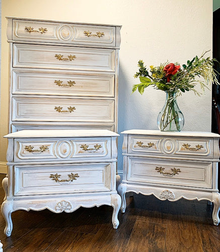GORGEOUS High-End 3PC American of Martinsville 3PC Modern French Country White Washed inspired Chest of Drawers and 2 Nightstands in Superb Condition!!!