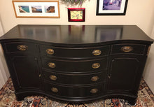Load image into Gallery viewer, (SOLD) Gorgeous High-End Vintage Bernhardt Regency Serpentine Buffet/Credenza/Media/Entryway in Excellent Condition!!