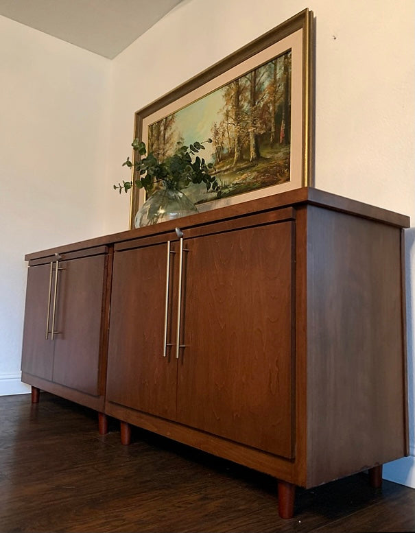 (SOLD) Beautiful 2PC Large Danish Style Mid Century Modern Credenza/Media/Entryway/Sideboard/Console with Pullout Breadboard and Modern Brass Hardware!!