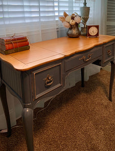 (SOLD) Gorgeous Vintage High-End Drexel French Country Desk/Vanity. Perfect Piece for Vintage and French Lover!!