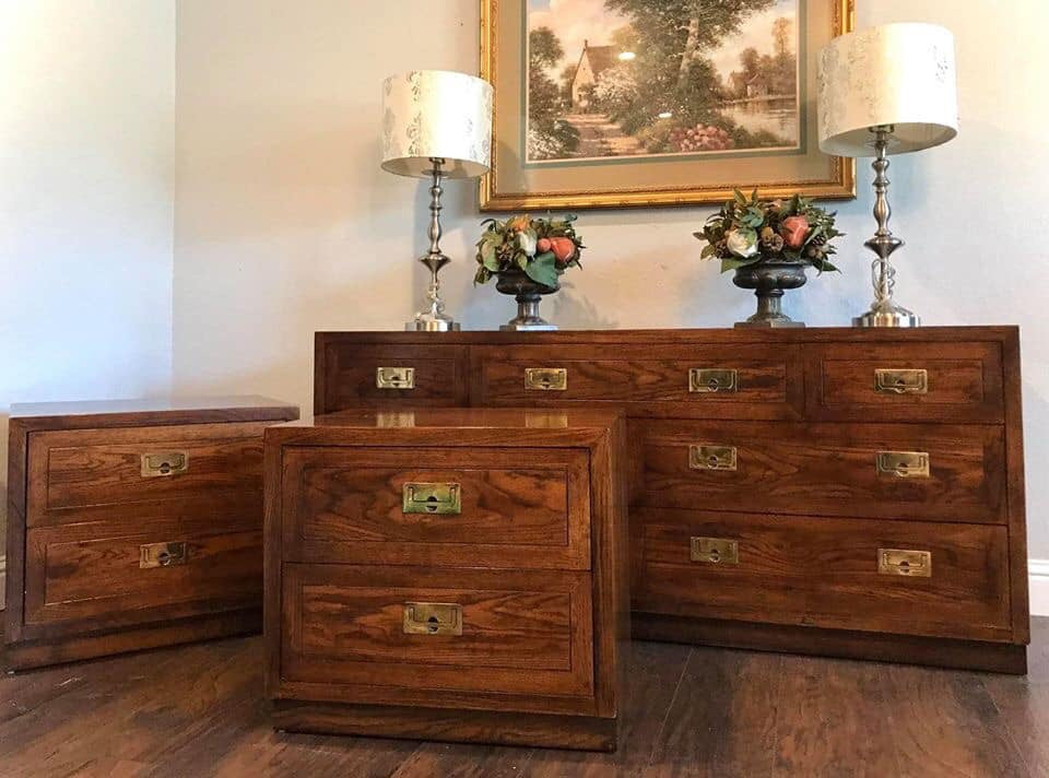 (SOLD) Gorgeous Vintage High-End Mid-Century Modern HENREDON Dresser and 2 Nighstands in Excellent Condition!!