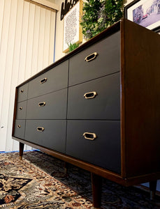(SOLD) Simply Beautiful High-End BP John Danish Mid Century Modern Dresser/Media/Credenza/Sofa Table/Entryway in Superb Condition!!
