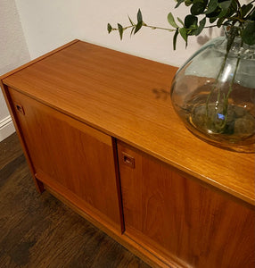 (SOLD) Simply Beautiful Danish-Scandanavian Teak Mid Century Modern Credenza/Media/Entryway/Sideboard with Sculpted Pulls and Superb Condition. Perfect Danish MCM for Minimalist and Wood Lover!!
