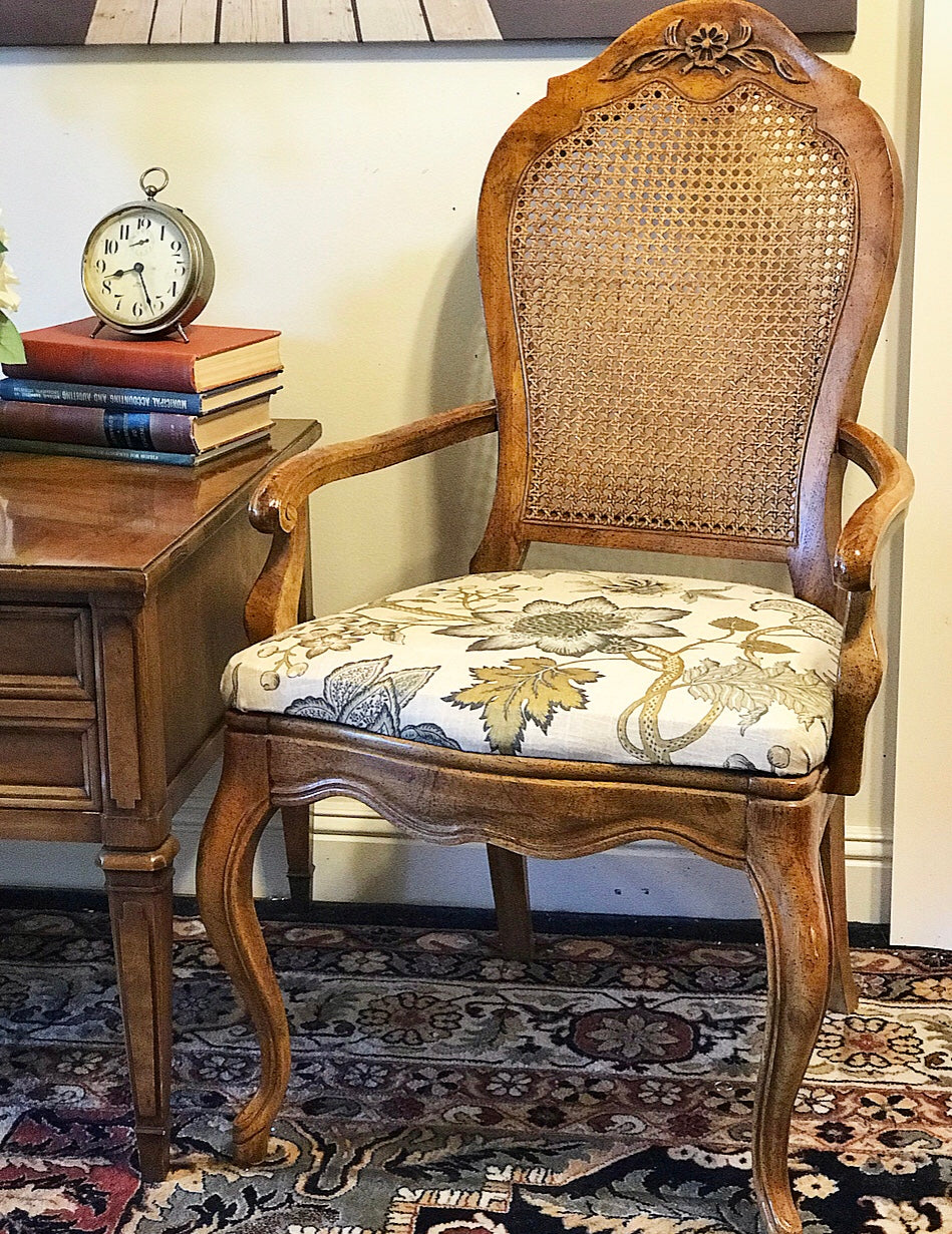 (SOLD) Gorgeous Pair Vintage High-End Newly Upholstered French Country Chair with Armrest and Mid-Century Modern Side/End Table in Excellent Condition!!