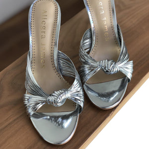 MARLY sandal in silver vegan leather - Allegra James