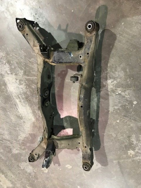 2005-2006 Hyundai Tuscon Rear Subframe Suspension Crossmember Cradle AWD 4WD