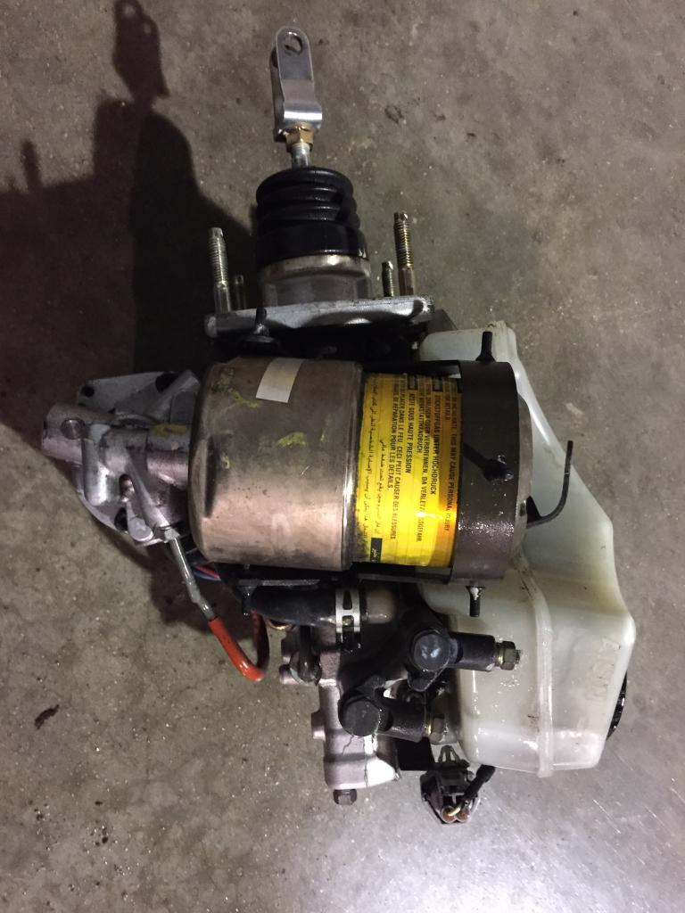 Lexus GS300 GS400 GS430 ABS Master Cylinder Brake Booster Assembly OEM