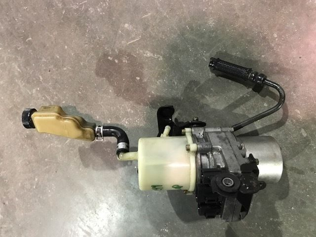 2004-2005 Mazda 3 Electric Power Steering Pump Column Motor 2.0L 2.3L OEM