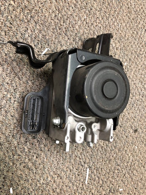 2009 Ford Escape Anti Lock Brake Pump ABS Actuator VIN 7 8th digit from 12/01/08