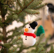 Load image into Gallery viewer, Christmas Tree Crochet Decoration