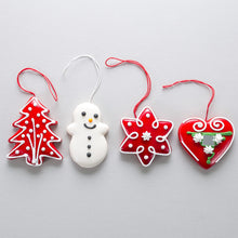 Load image into Gallery viewer, Set of Licitar Christmas Decorations