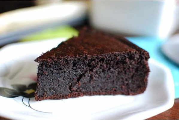 Maida's Crowd Favorite Gluten-Free Flourless Dark Chocolate Cake - Slim Snacks Philippines