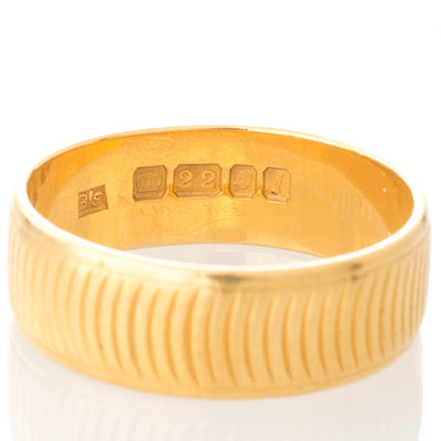 Patterned Gold Wedding Band