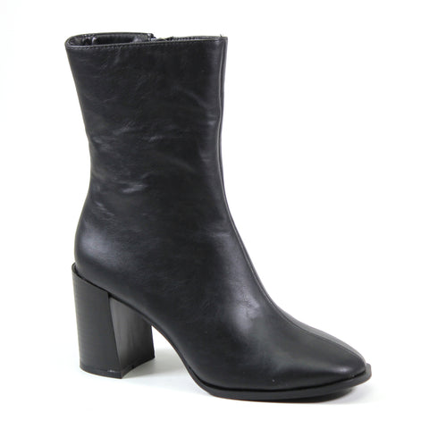 Midcalf block heel bootie with inside zip and vegan leather black upper. A perfect staple for your closet this season.