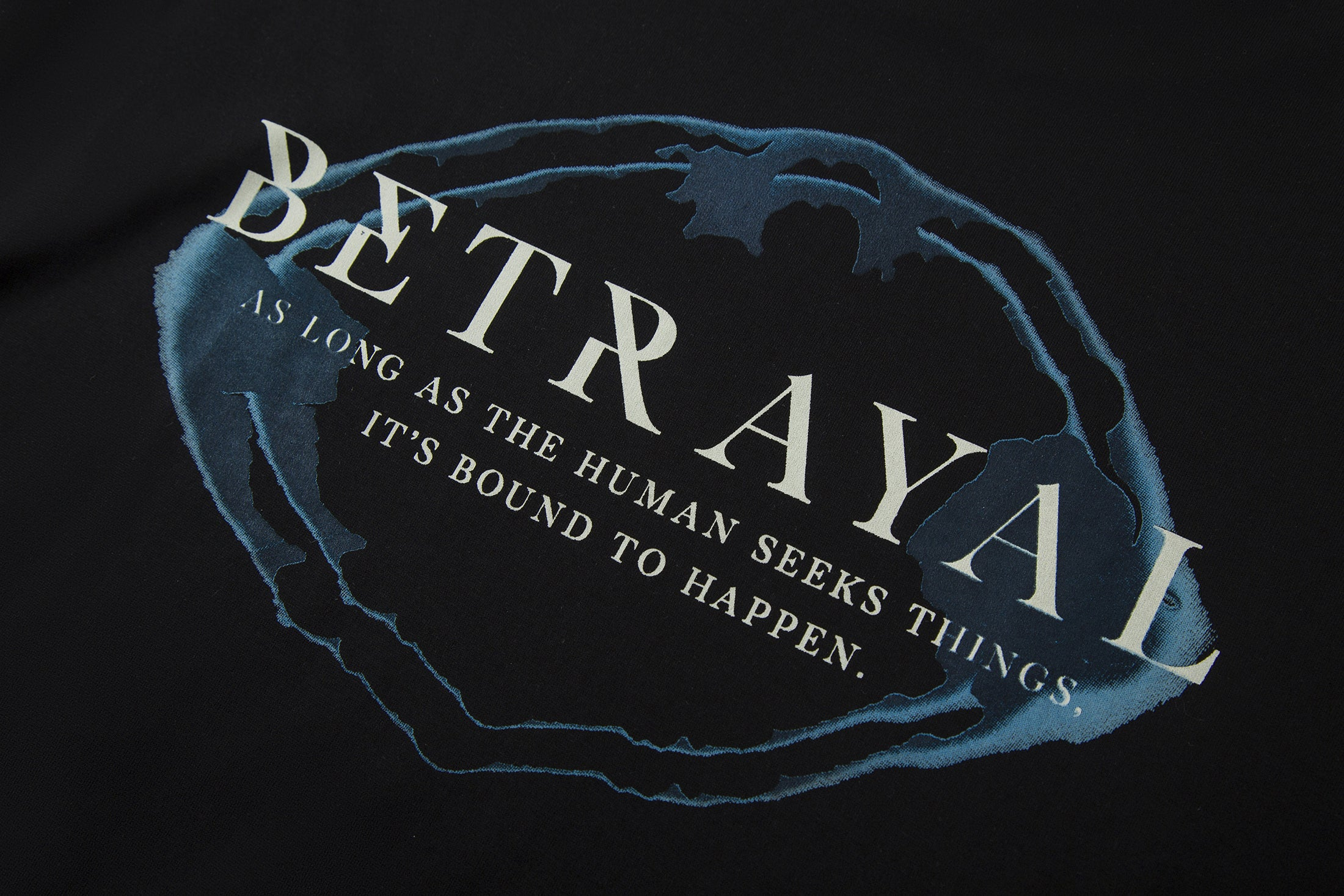 Load image into Gallery viewer, Le Fruit Defendu Betrayal T-shirt - Black