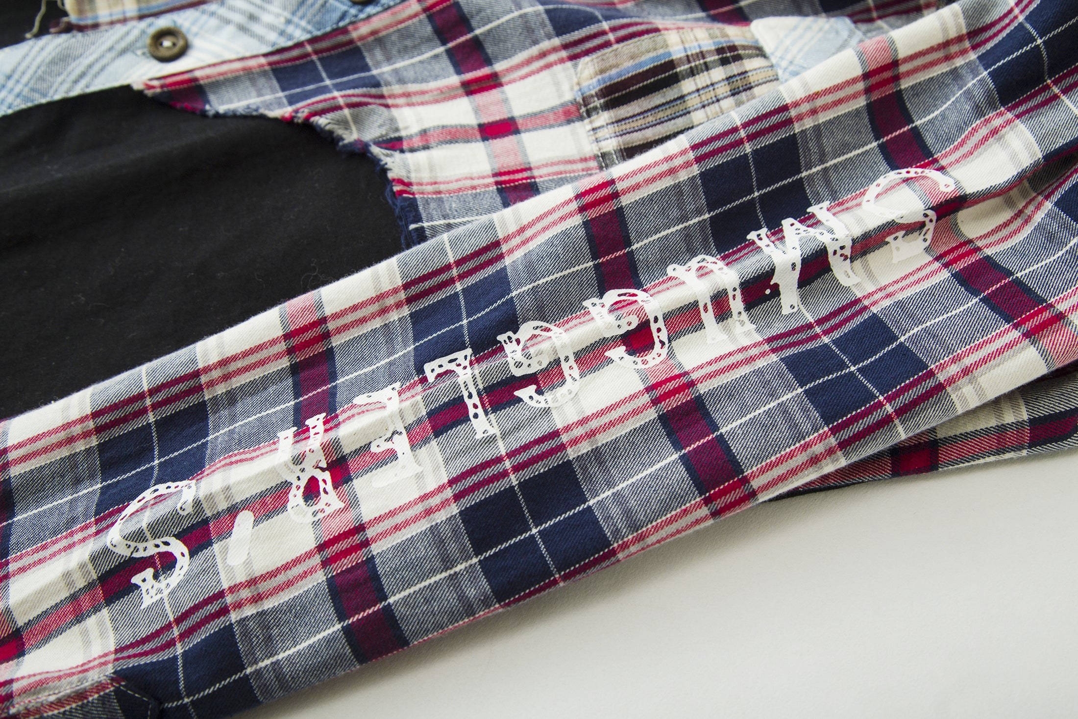 Load image into Gallery viewer, Blackout Skate Check Shirt