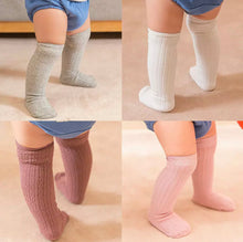 Load image into Gallery viewer, KNEE HIGH SOCKS – GRAY