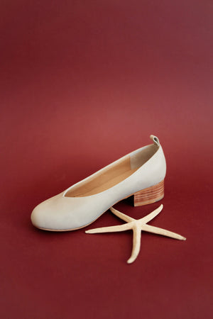 La Sal Low-Heel Pumps