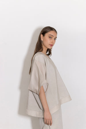 Selenium Oversized Linen-Silk Paneled Blouse