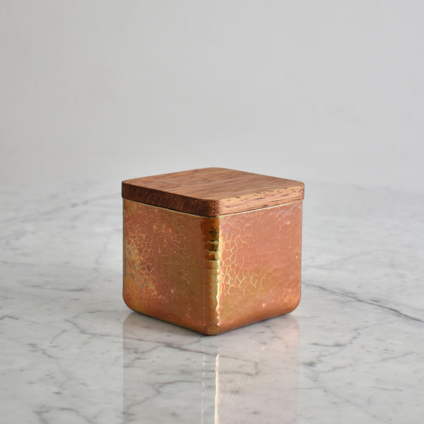 Hammered Copper and Wood Container. Estudio Pomelo. Made in Mexico