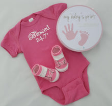 Load image into Gallery viewer, Baby Shower Gift Set Pink