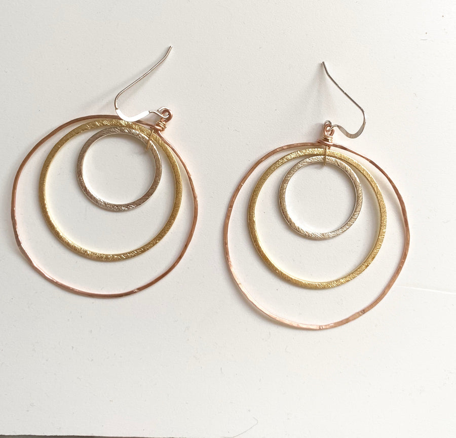 Tres Colores Hoops