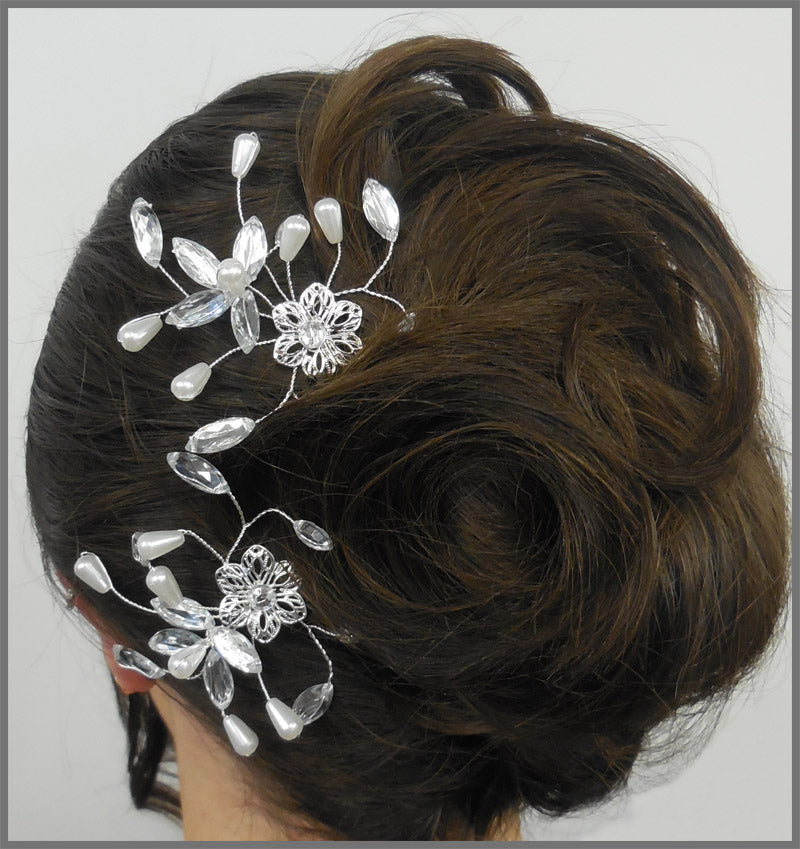 Elegant Diamanté & Pearl Bride or Bridesmaid Wedding Hair Pins