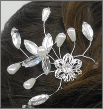 Load image into Gallery viewer, Elegant Diamanté & Pearl Bride or Bridesmaid Wedding Hair Pins