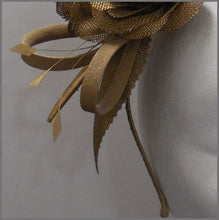 Load image into Gallery viewer, Elegant Formal Antique Gold Flower Headband