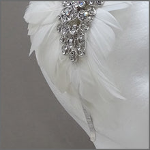 Load image into Gallery viewer, Vintage Style Headdress with White Feathers