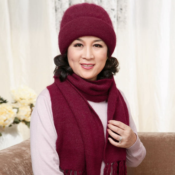 The elderly women's autumn and winter hat scarf twinset thickening thermal rabbit fur