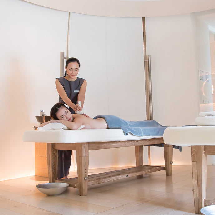 Hot Compress Massage | SPA by Le Méridien Bangkok