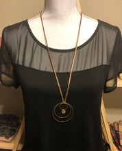 "Load image into Gallery viewer, Twisted Brass Circle 30"" Drop Necklace"